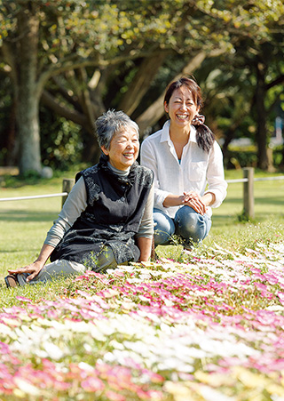 「母はいつも私の心が明るくなるようなアドバイスをしてくれます」(芳乃さん)