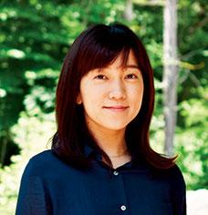 中村 優(なかむら ゆう) 生長の家本部講師補 東京都出身。電車の車窓から甲斐駒ヶ岳、富士山、八ヶ岳などの四季折々の美しさを見るのが楽しみ。趣味は書道など。