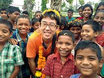 国際協力機構のボランティア活動で訪れたインドの孤児院で