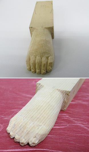 上/下:人間の赤ちゃんの手足を見本にしているといわれる「仏足」