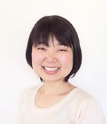 松﨑いづみ/生長の家長崎南部教区青年会委員長 長崎市在住。夫と2人暮らし。数か月前から刺繍を始め、ポーチなどに自分なりのアレンジを加えるのが楽しみ。