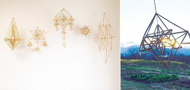 左:眞藤さんが手作りした光のモービル・ヒンメリ。柔らかい光の中に、幾何学模様が美しく映える。/右:山梨県北杜市の農園で、初めて出合ったヒンメリ
