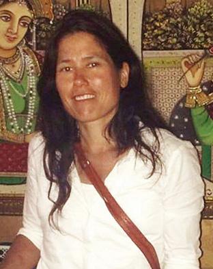 カリン・ビュルクナー│42歳│ゲルンハウゼン 自ら菜食の生活をしているだけでなく、調理としてノーミートの料理を作っているビュルクナーさん