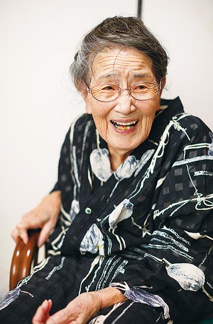 國澤光喜(くにさわてるき)さん (97歳)高知市 取材/水上有二(本誌) 撮影/堀 隆弘 「風邪は何年も引いたことがないし、お腹をこわすこともありません。元気でいられるのは信仰のお蔭です」
