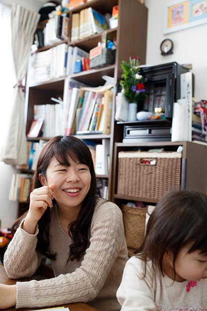 香川侑子 30歳・大阪市 撮影/堀 隆弘 自分が母親にどれほど大切にされ、愛されていたかに気づいてからは、心の底から感謝できる幸せな毎日になった。