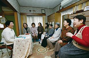 45年前から自宅で開いている誌友会は、近所の信徒たちの心のより所になっている