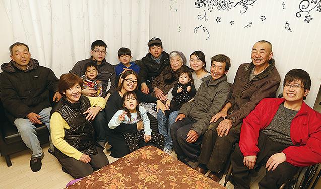 この日に集まった美佐代さんの子どもや孫、ひ孫たちとその家族。これでもほんの一部だ