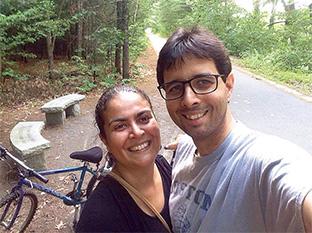 物が壊れたからといって新しい物を買わず、リサイクルショップを活用しているというアダルジーザさん夫妻