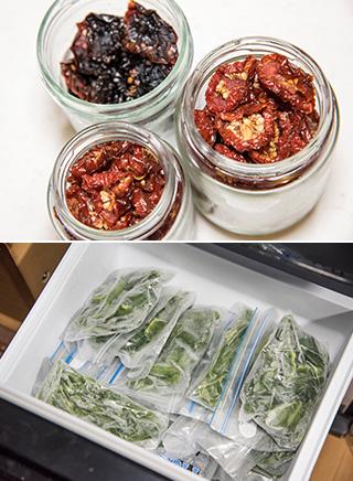上:ご主人さん手作りのドライトマト。ミニトマトを半分に切って塩を振り、干して乾燥させて作る/下:菜園で採れたピーマンやシシトウなどは、野菜専用の冷凍庫で保管している