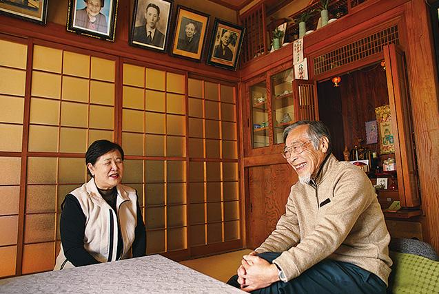 夫の邦典さんと「茨城県北地域の伝道に尽くそう」と語り合う