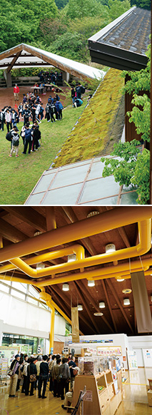 上:屋根の一部が土と草で緑化され、夏場の温度上昇を抑える/下:黄色の送風ダクトを通し、冬は集熱ユニットで温められた空気を出し、夏は空気を外に逃がして、室温を一定に保つ どちらも写真:堀 隆弘