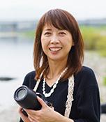 坂崎和佳 さかざき わか/昭和51年生まれ。美容師歴25年。熊本県球磨郡錦町在住。「ヘアサロンDeaR」を営む傍ら、カメラライフを楽しんでいる。思うように撮れないことも多く、試行錯誤しながら日々奮闘中。生長の家白鳩会員。本誌No.114(2019年9月号)「美のステージ」に登場。