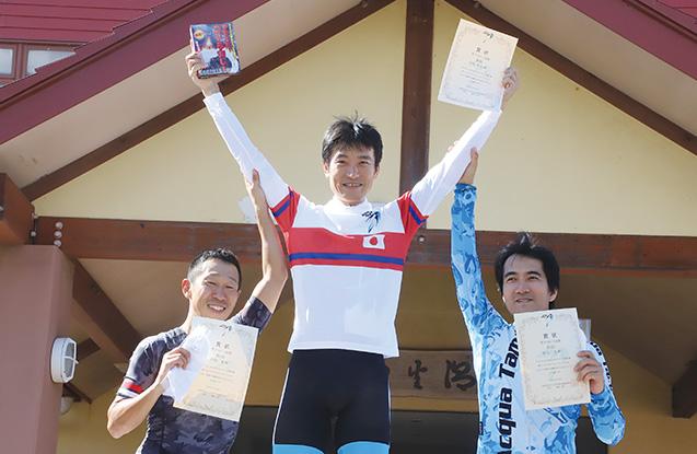 コツコツと練習を積み重ね、マスターズ全日本チャンピオンになった時の岩島さん(写真は筆者提供)