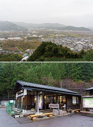 上:山本さんの自宅近くにある山の頂からの眺望。この山には山本さんも頻繁に訪れる/下:寸又峡入り口の駐車場内にある南アルプス山岳図書館。南アルプスの関連書籍が7500冊も揃っている