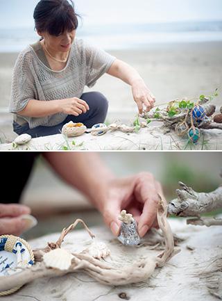 """上:""""海の宝物""""で小物作りを楽しむ/下:サンゴのかけらとフジツボの殻を合わせたクラフト"""